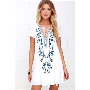 Lulus embroidered shift dress